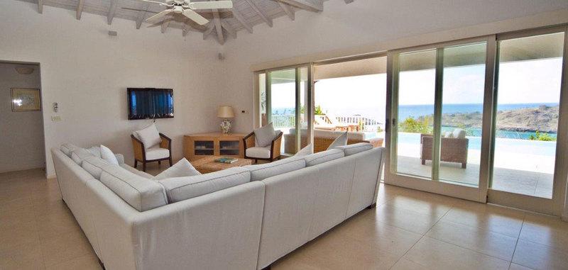 Antigua villa 13 03