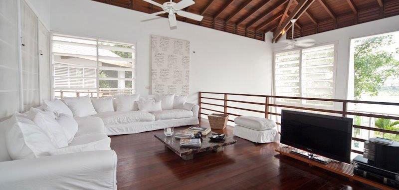 Antigua villa 16 06