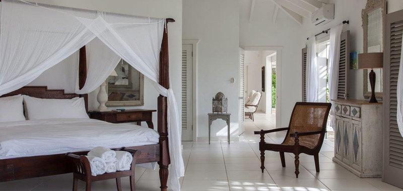 Antigua villa 26 15