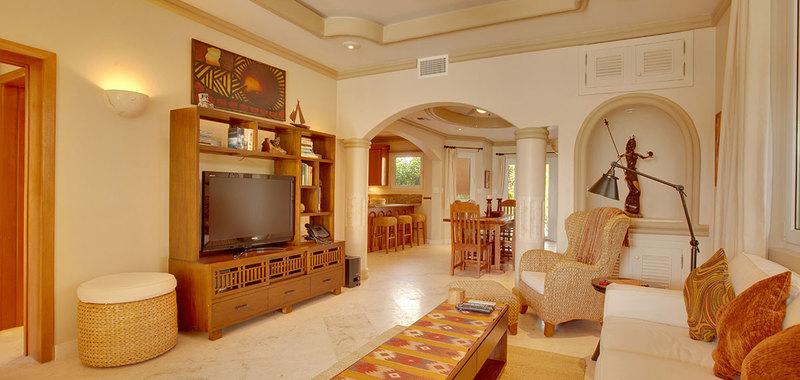 Belize brushstroke villa 05