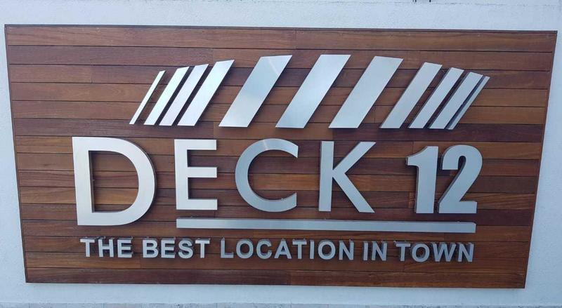 Deck Valenzuela 704
