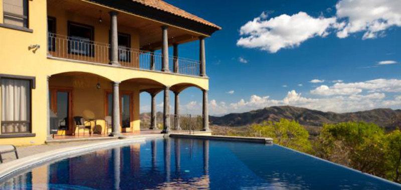 Villa de Oro Villa Rental