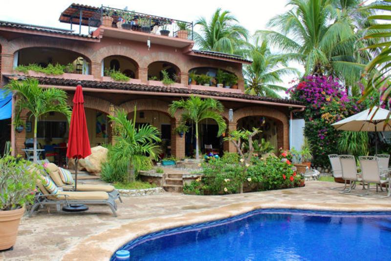La Cruz Hacienda 32