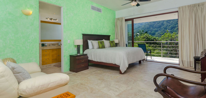 Casa mismaloya master bed2 01