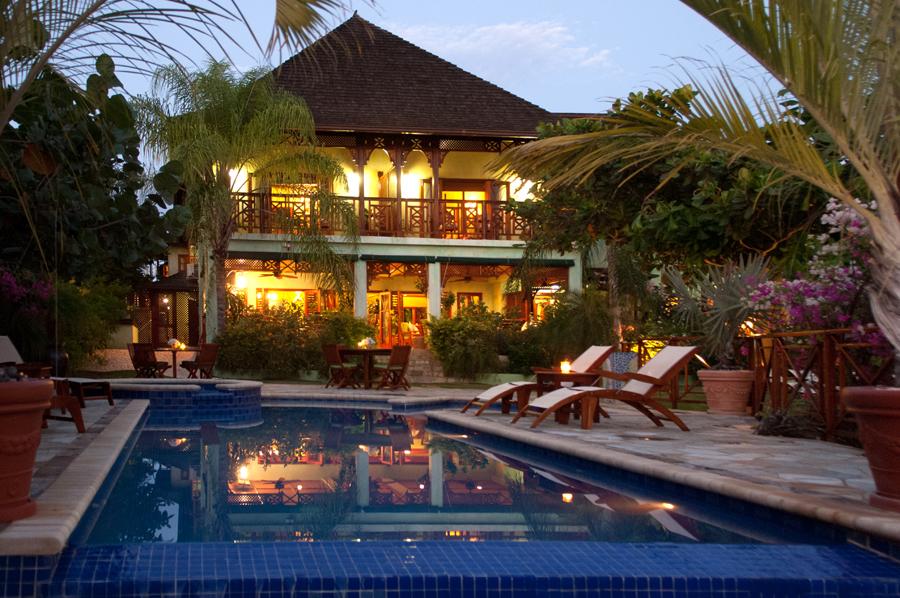 Whispering waters jamaica villas 01